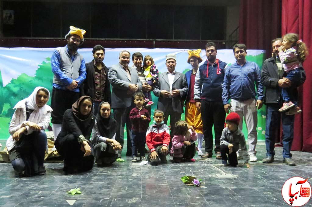 تئاتر-گرگم-و-گله-می-برم فرماندار شیراز مهمان ویژه تئاتر گرگم و گله می برم