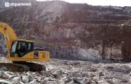 جاده جدید فراشبند – فیروزآباد در چنگال غولِ نمکی   تا دیر نشده مسیر جاده را تغییر دهید