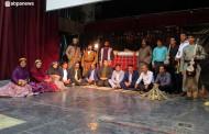 هنر تئاتر نقشی اساسی در انتقال فرهنگ بومی و محلی دارد / امشب؛ آخرین اجرای جیران به صحنه میرود