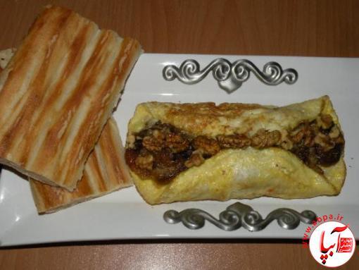 رولت تخم مرغ و خرما ؛ صبحانه ای کامل برای شما و فرزندانتان