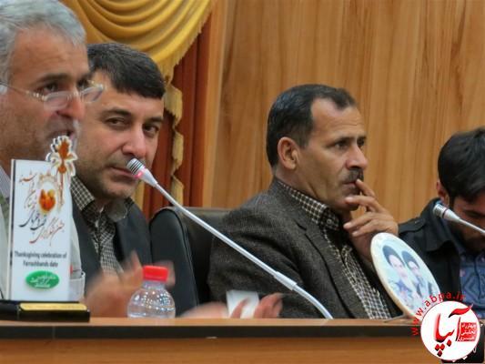 IMG_3718-Medium-e1417198197974 تجلیل از برگزارکنندگان جشن قصب و خرما در فرمانداری فراشبند