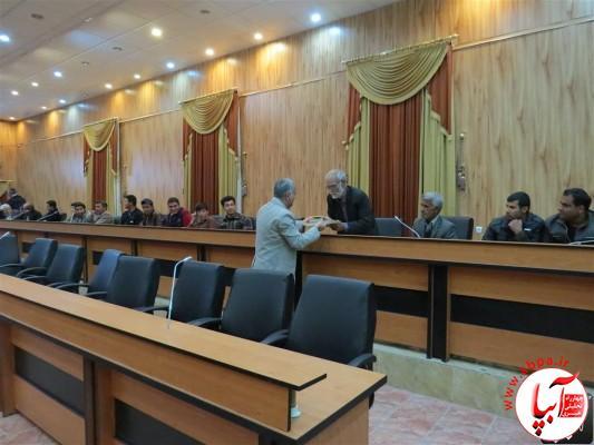 IMG_3727-Medium-e1417198179494 تجلیل از برگزارکنندگان جشن قصب و خرما در فرمانداری فراشبند