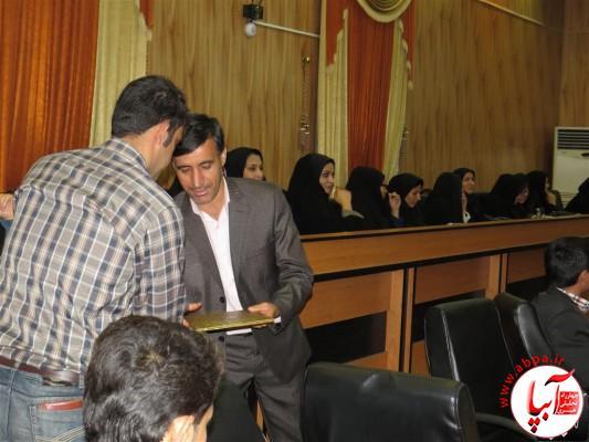 IMG_3731-Medium-e1417198162865 تجلیل از برگزارکنندگان جشن قصب و خرما در فرمانداری فراشبند