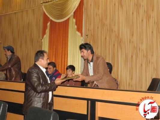 IMG_3733-Medium-e1417198144129 تجلیل از برگزارکنندگان جشن قصب و خرما در فرمانداری فراشبند