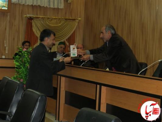 IMG_3744-Medium-e1417197897156 تجلیل از برگزارکنندگان جشن قصب و خرما در فرمانداری فراشبند