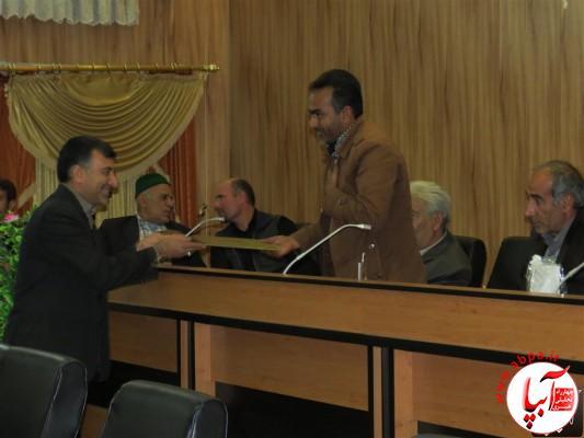 IMG_3747-Medium-e1417197858563 تجلیل از برگزارکنندگان جشن قصب و خرما در فرمانداری فراشبند