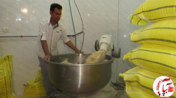 IMG_6010-Medium-e1420055500579 انتخاب نانوایی نمونه توسط اتاق اصناف در شهرستان فراشبند