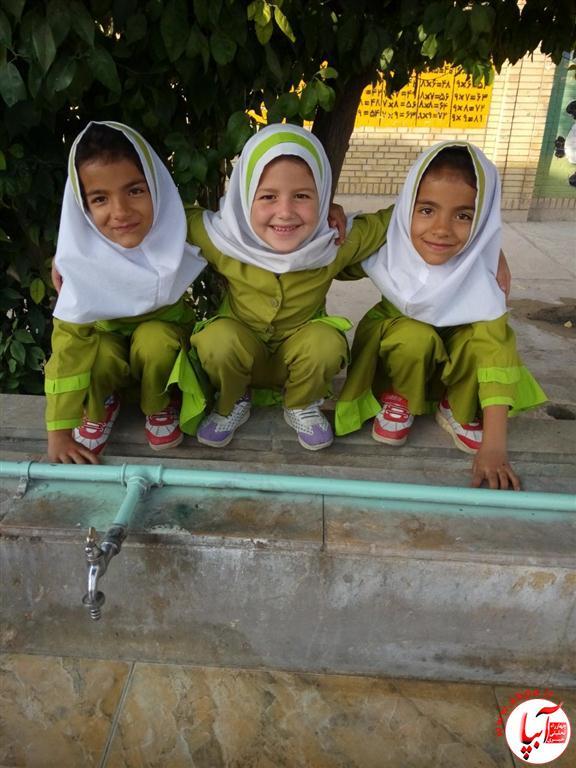 مریم-زمانی-و-دوستاش-از-دبستان-شهید-آقایی-Medium گالری عکس گلها ... این کودکان دوست داشتنی ... سری جدید