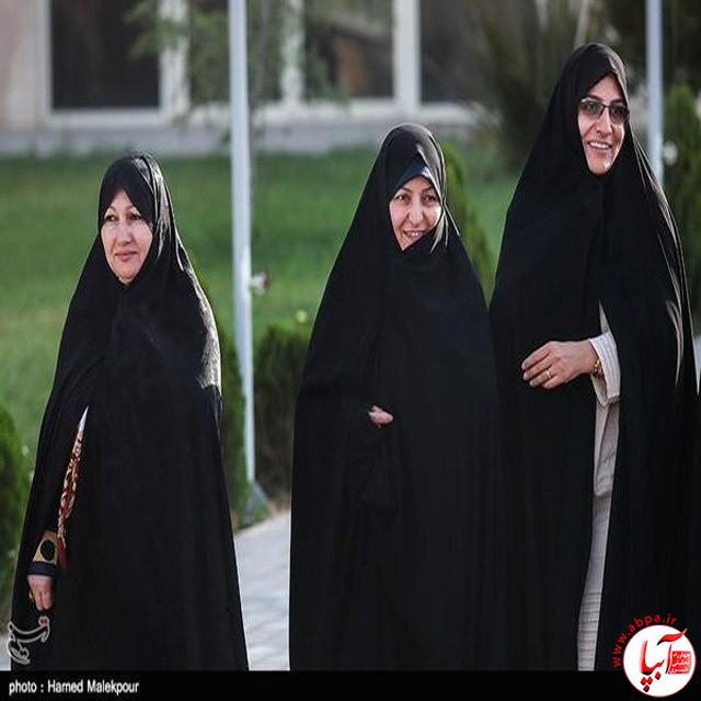 استقبال همسران شهدای هسته ای از تیم مذاکره کننده و آقای ظریف