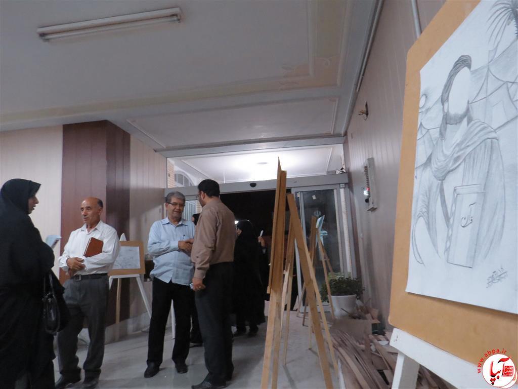 IMG_2379-Medium نمایشگاه نقاشی معلولان فراشبند برپا شد + گزارش تصویری