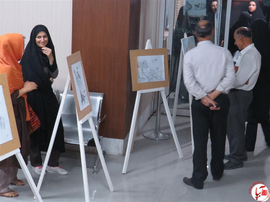IMG_2381-Medium نمایشگاه نقاشی معلولان فراشبند برپا شد + گزارش تصویری