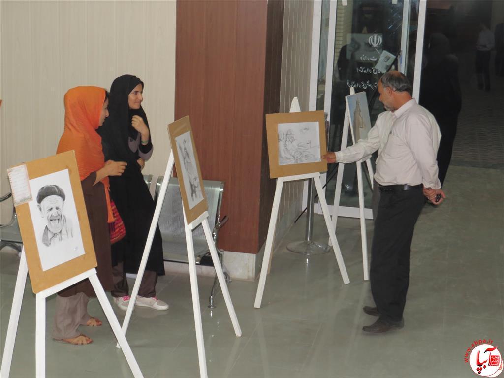 IMG_2382-Medium نمایشگاه نقاشی معلولان فراشبند برپا شد + گزارش تصویری