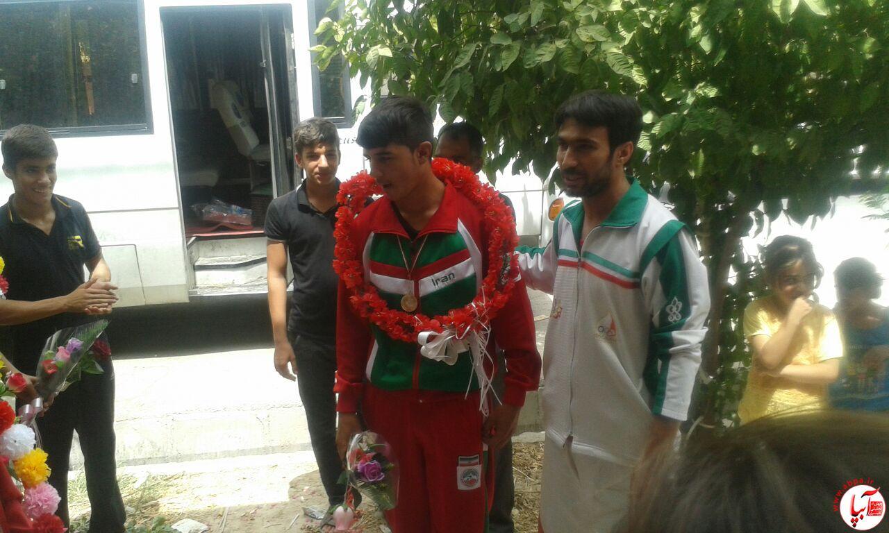 farashband-1 مراسم استقبال از اعضای تیم ووشو با حضور امام جمعه فراشبند