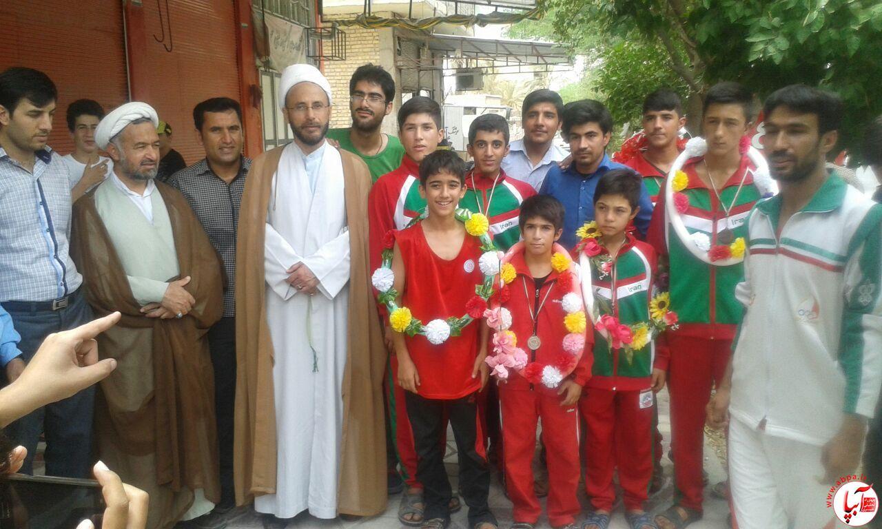 farashband-10 مراسم استقبال از اعضای تیم ووشو با حضور امام جمعه فراشبند