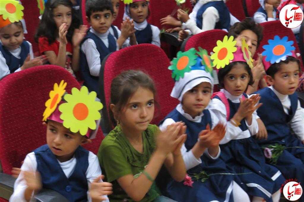 گالری-عکس-کودک-آبپا-1 به مناسبت روز جهانی کودک : گالری عکس گلها