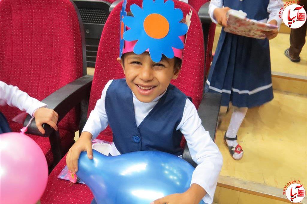 گالری-عکس-کودک-آبپا-13 به مناسبت روز جهانی کودک : گالری عکس گلها