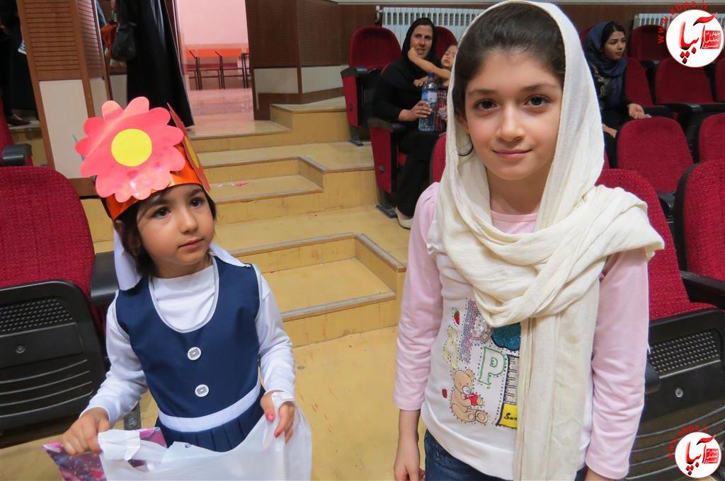 گالری-عکس-کودک-آبپا-17 به مناسبت روز جهانی کودک : گالری عکس گلها