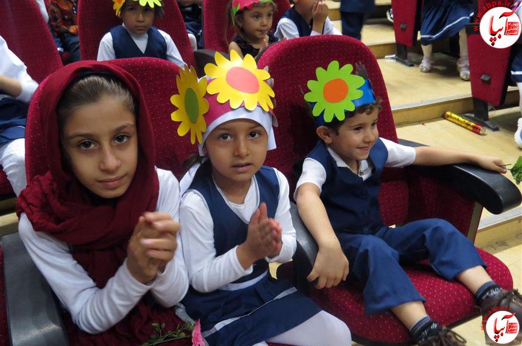 گالری-عکس-کودک-آبپا-2 به مناسبت روز جهانی کودک : گالری عکس گلها