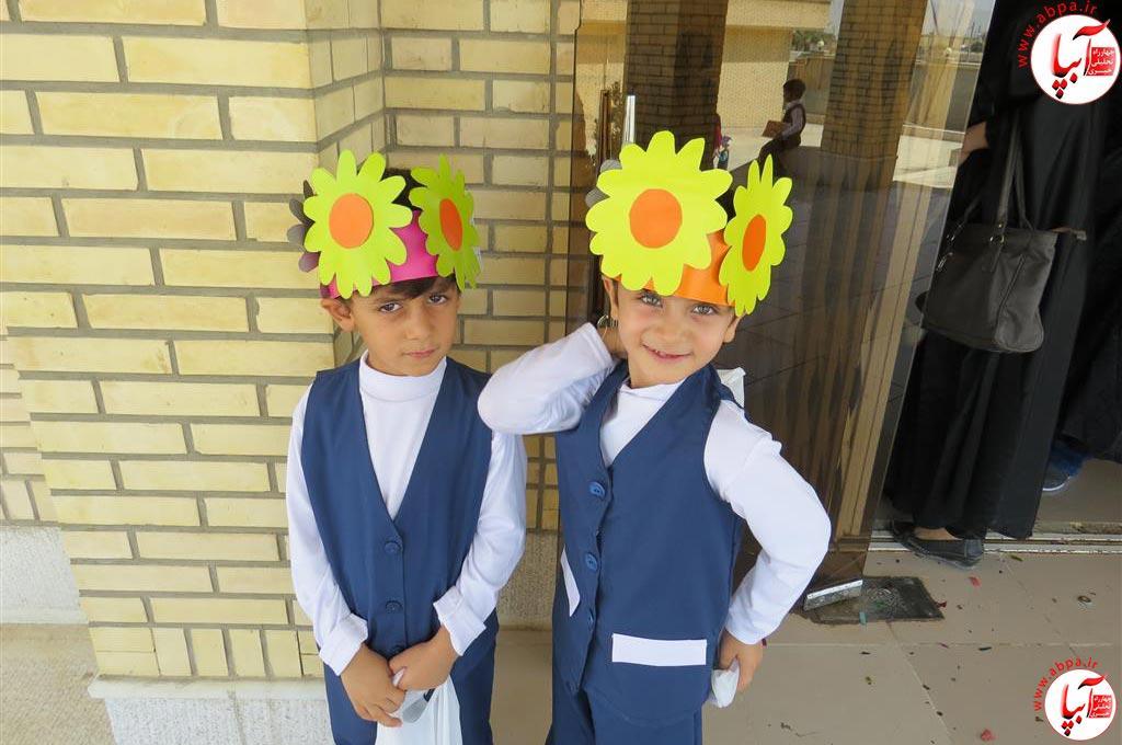 گالری-عکس-کودک-آبپا-20 به مناسبت روز جهانی کودک : گالری عکس گلها