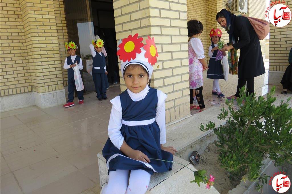 گالری-عکس-کودک-آبپا-21 به مناسبت روز جهانی کودک : گالری عکس گلها