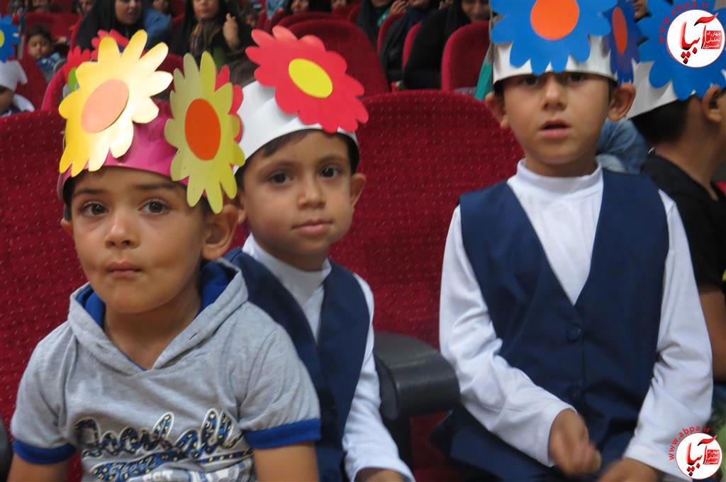 گالری-عکس-کودک-آبپا-4 به مناسبت روز جهانی کودک : گالری عکس گلها
