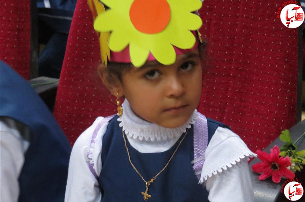 گالری-عکس-کودک-آبپا-5 به مناسبت روز جهانی کودک : گالری عکس گلها