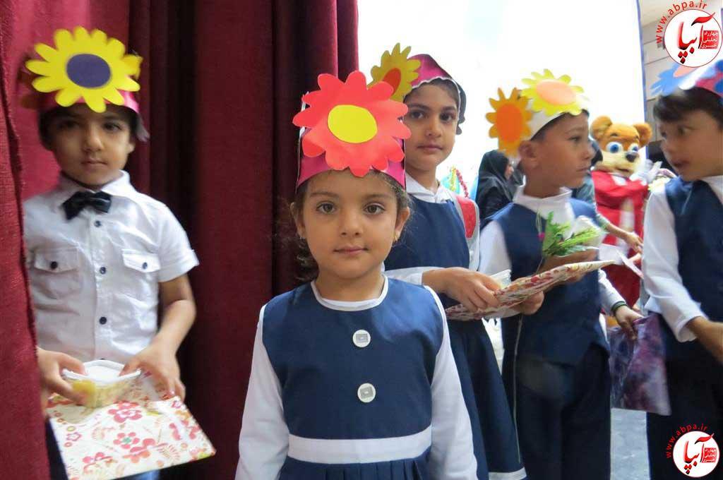 گالری-عکس-کودک-آبپا-8 به مناسبت روز جهانی کودک : گالری عکس گلها