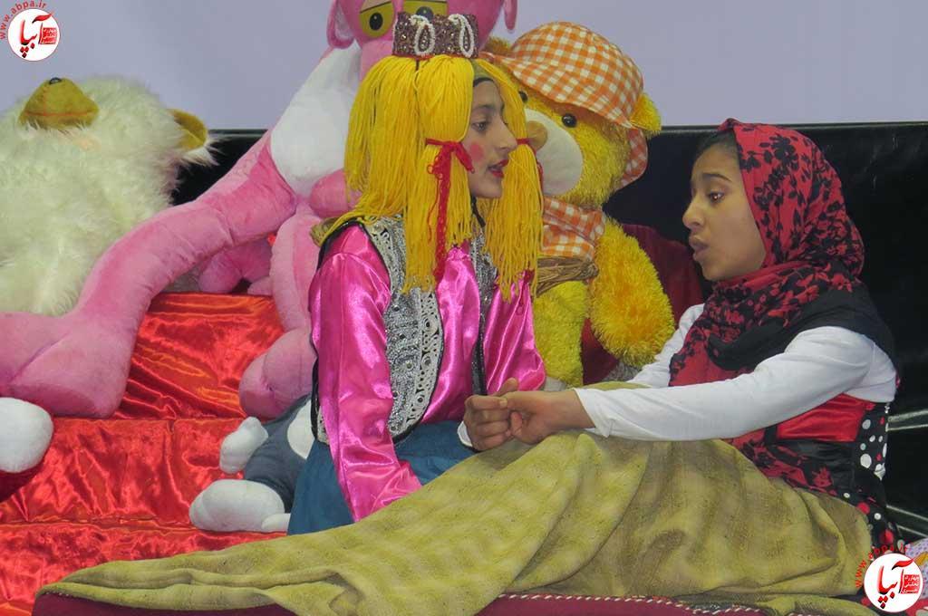 تئاتر-دانش-آموزی-فراشبند-10 گزارش تصویری از جشنواره سرود و تئاتر دانش آموزی شهرستان فراشبند
