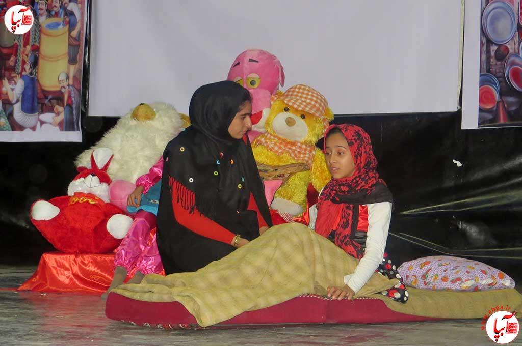 تئاتر-دانش-آموزی-فراشبند-11 گزارش تصویری از جشنواره سرود و تئاتر دانش آموزی شهرستان فراشبند