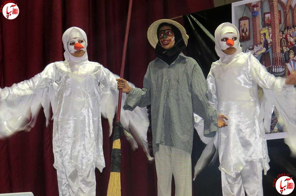 تئاتر-دانش-آموزی-فراشبند-14 گزارش تصویری از جشنواره سرود و تئاتر دانش آموزی شهرستان فراشبند