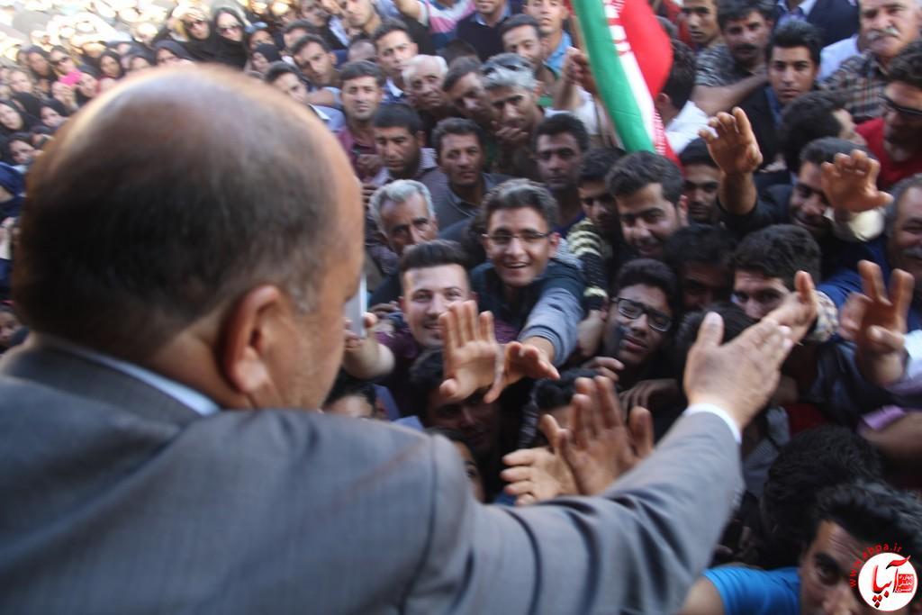 کورش-کرم-پور-10 تجمع با شکوه هواداران کورش کرم پور به شکرانه پیروزی