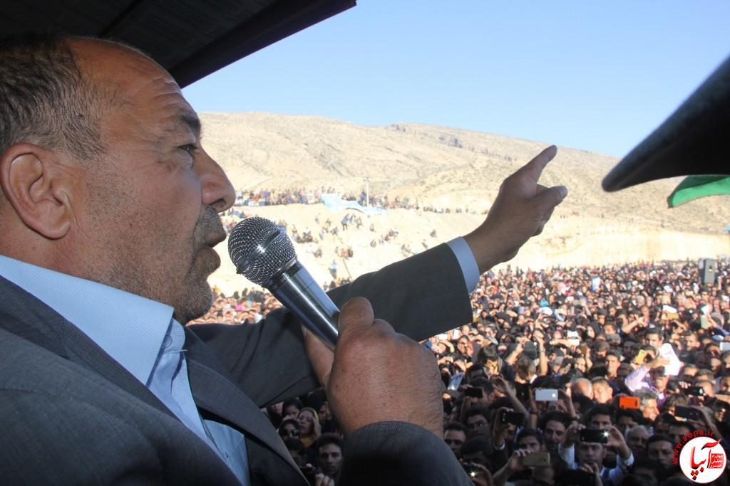 کورش-کرم-پور-11 تجمع با شکوه هواداران کورش کرم پور به شکرانه پیروزی