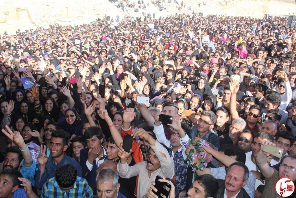 کورش-کرم-پور-3 تجمع با شکوه هواداران کورش کرم پور به شکرانه پیروزی
