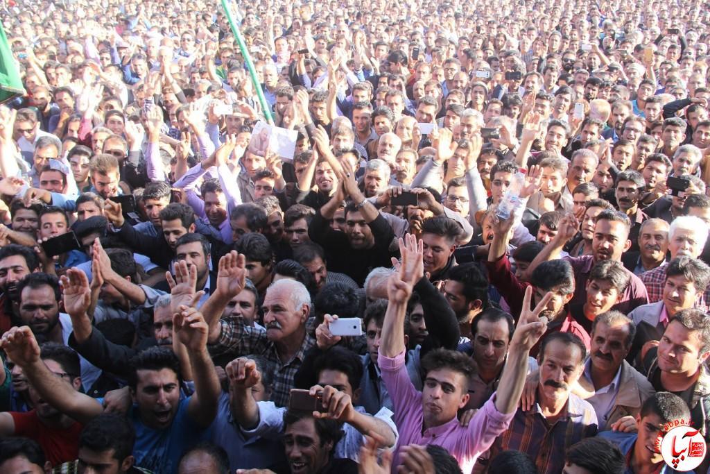 کورش-کرم-پور-8 تجمع با شکوه هواداران کورش کرم پور به شکرانه پیروزی