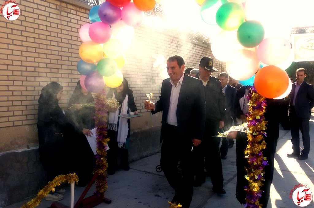 گزارش-تصویری-از-افتتاح-مسابقات-قرآن-دانش-آموزی-در-فراشبند--(5)