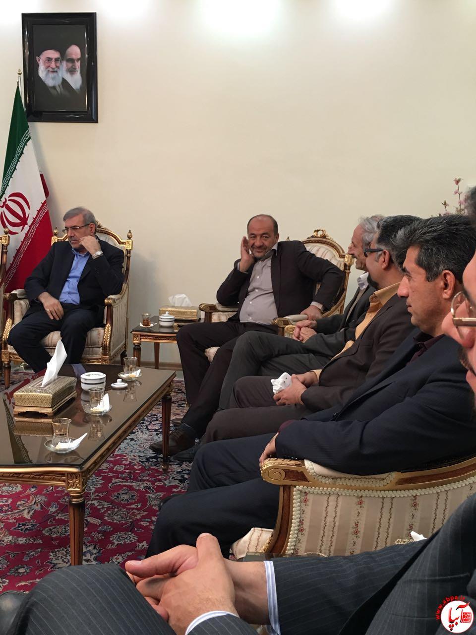 نشست نمایندگان منتخب حزب اعتدال و توسعه فارس با معاون سیاسی حزب اعتدال و توسعه