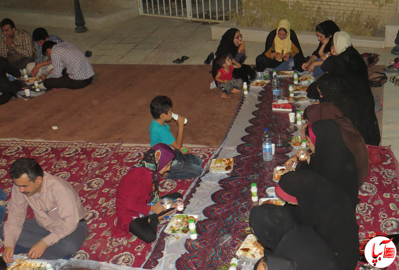 as ضیافت افطار به رنگ فرهنگ و هنر