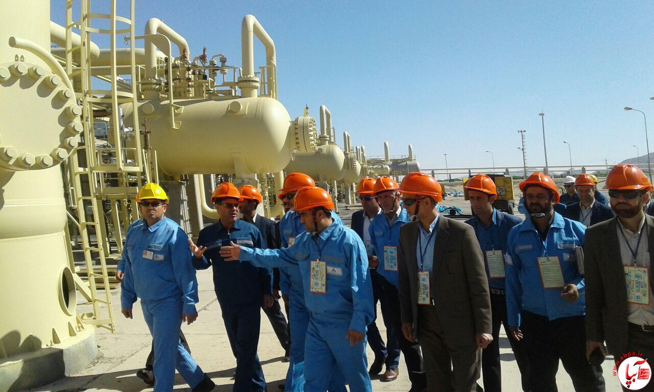 بازدید کورش کرمپور نماینده مجلس و دبیر کمسیون انرژی از پالایشگاه فراشبند