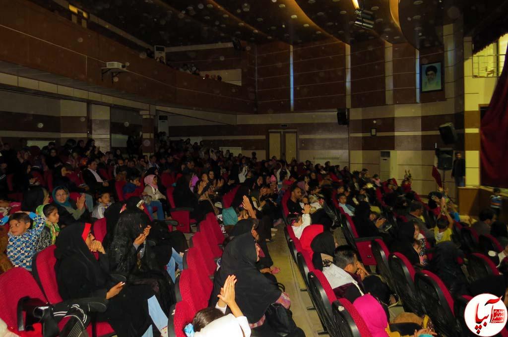 تئاتر-گرگم-و-گله-می-برم-1 گزارش تصویری استقبال تماشاگران از نمایش گرگم و گله می برم