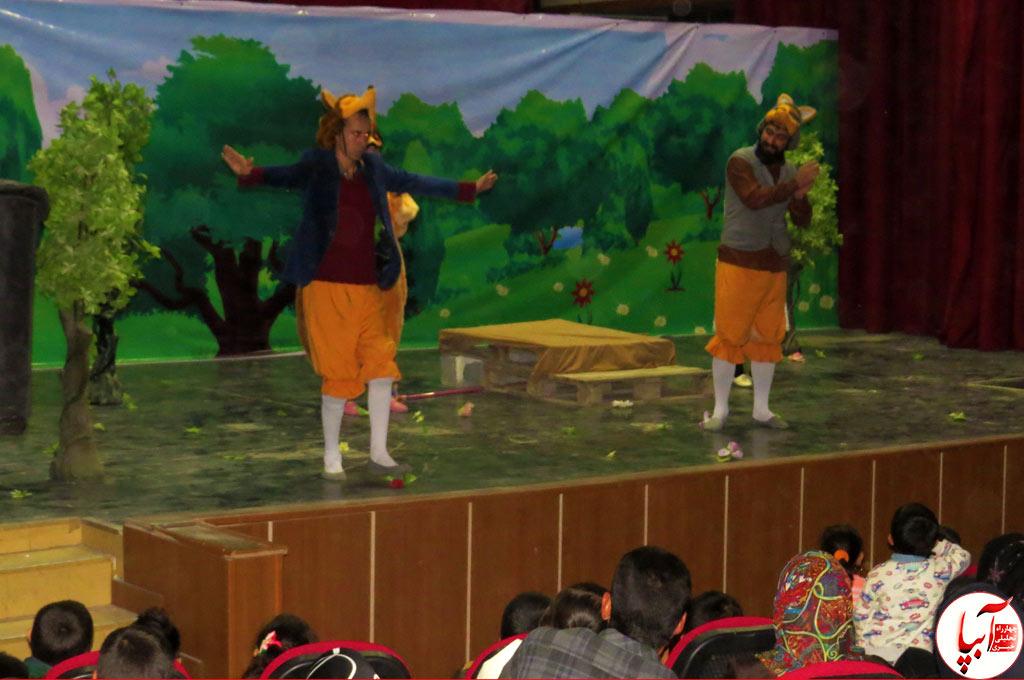 تئاتر-گرگم-و-گله-می-برم-7 گزارش تصویری استقبال تماشاگران از نمایش گرگم و گله می برم