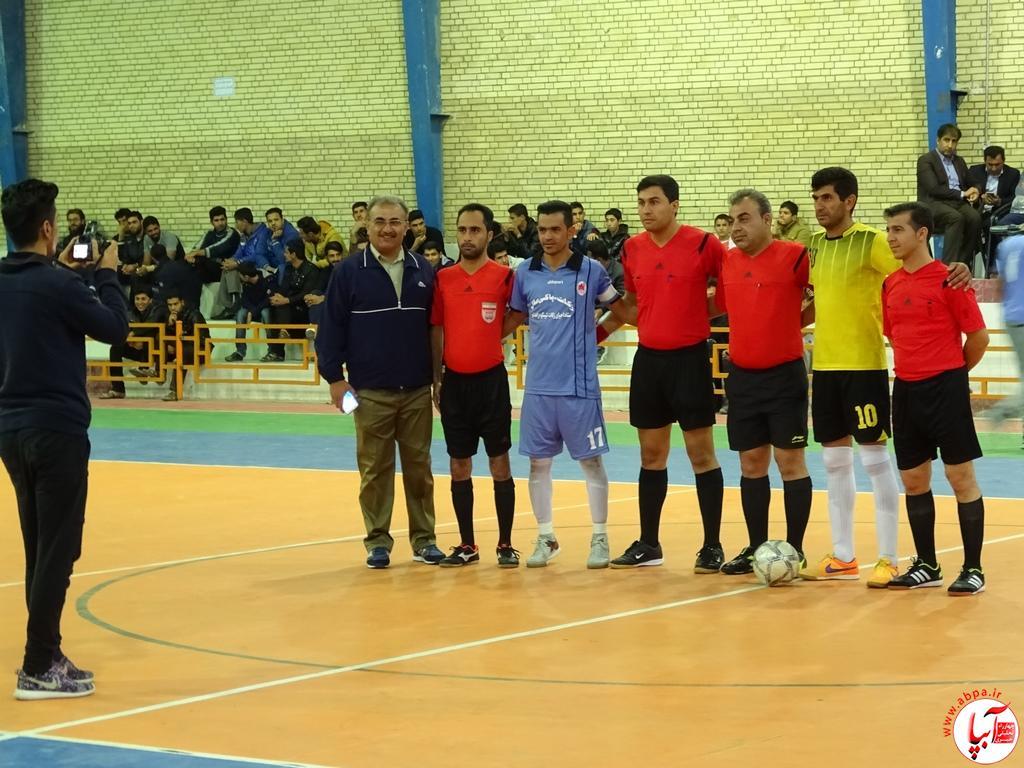 قضاوت داور جوان فراشبندی در فینال مسابقات فوتسال دسته یک استان فارس