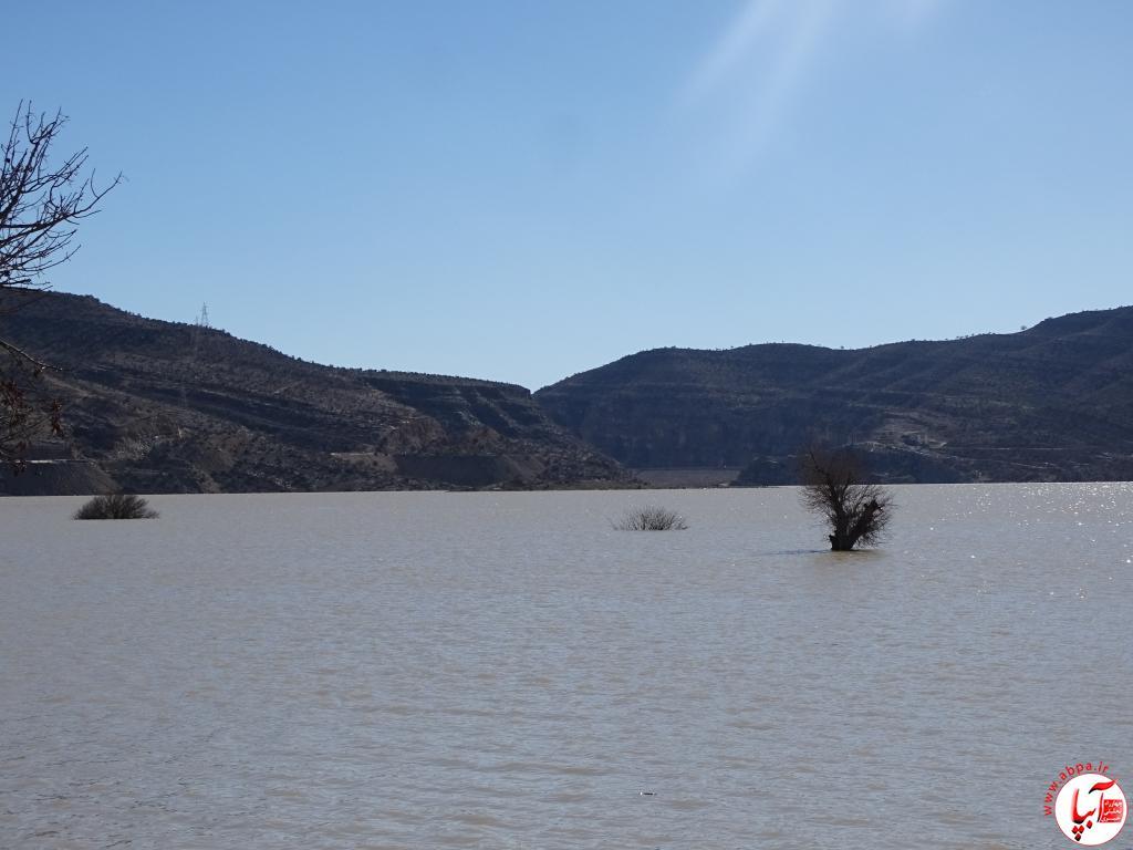 یک سوم ظرفیت سد تنگاب فیروزآباد آبگیری شد