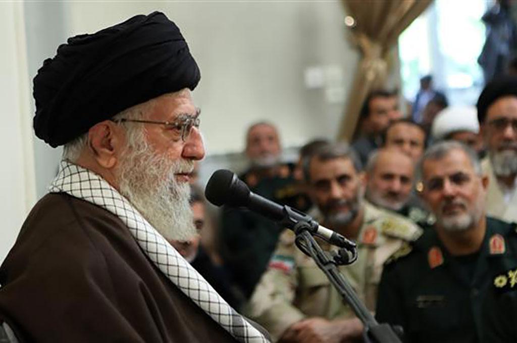 مقام معظم رهبری: آمریکا در حمله به سوریه خطایی راهبردی کرد