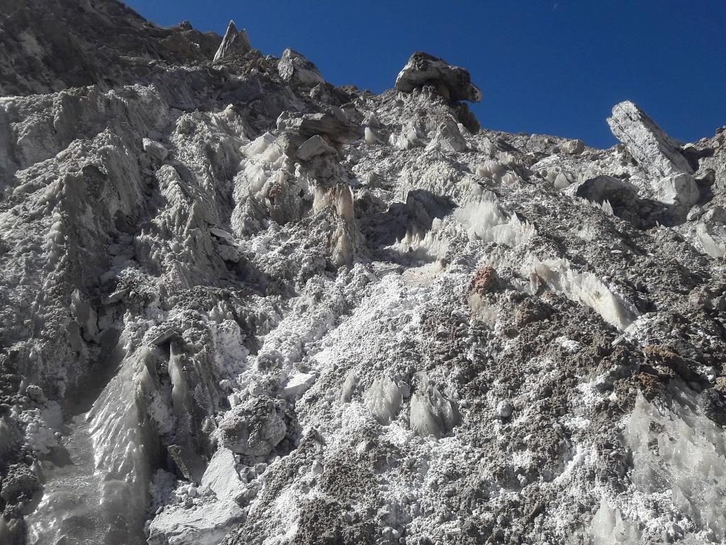 کوه-نمک کوهنوردی و بازدید از دریاچه دشت گورم
