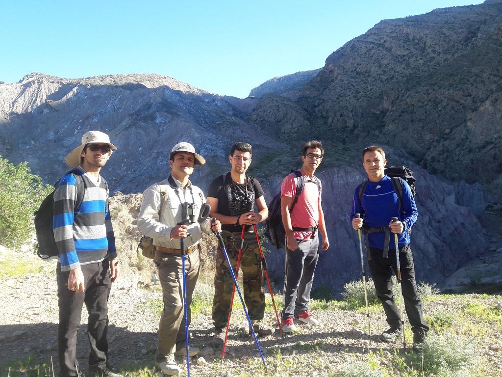 کوهنوردی و بازدید از دریاچه دشت گورم