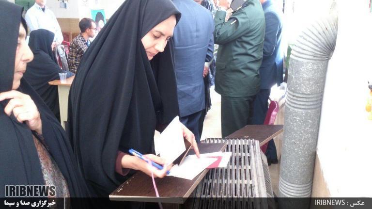 1016721_123 انتخابات ۹۶ : مردم فراشبند پای صندوقهای سرنوشت ساز رای