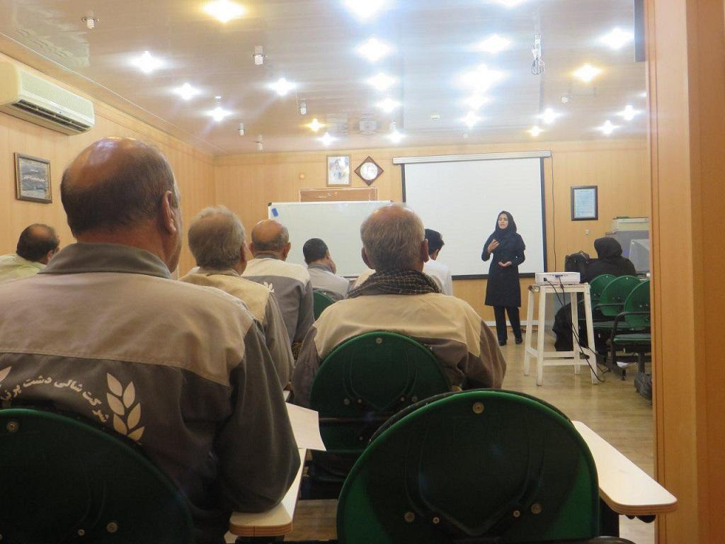 photo_2017-07-10_07-59-15 برگزاری کارگاه آموزشی پیشگیری از آسیبهای اجتماعی و اعتیاد در پالایشگاه گاز دالان