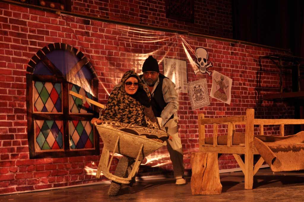 جدایی-مش-مرتضی-از-خاله-20 گزارش تصویری از نمایش «جدایی مش مرتضی از خاله»
