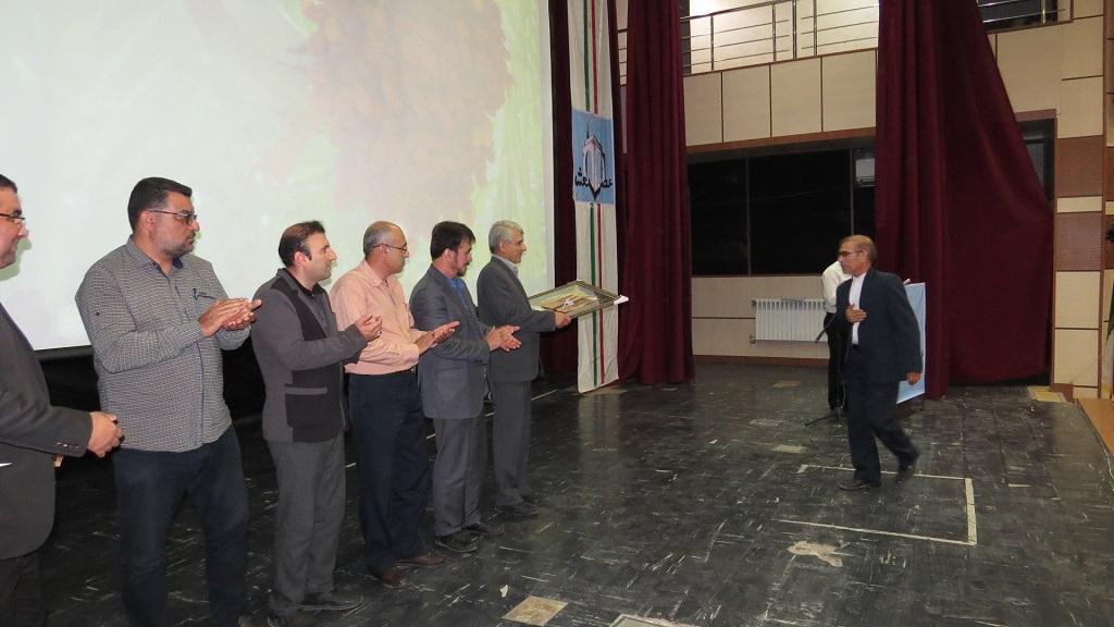 IMG_5222 برگزاری همایش عصر شعر شهرستانهای غرب استان فارس درفراشبند