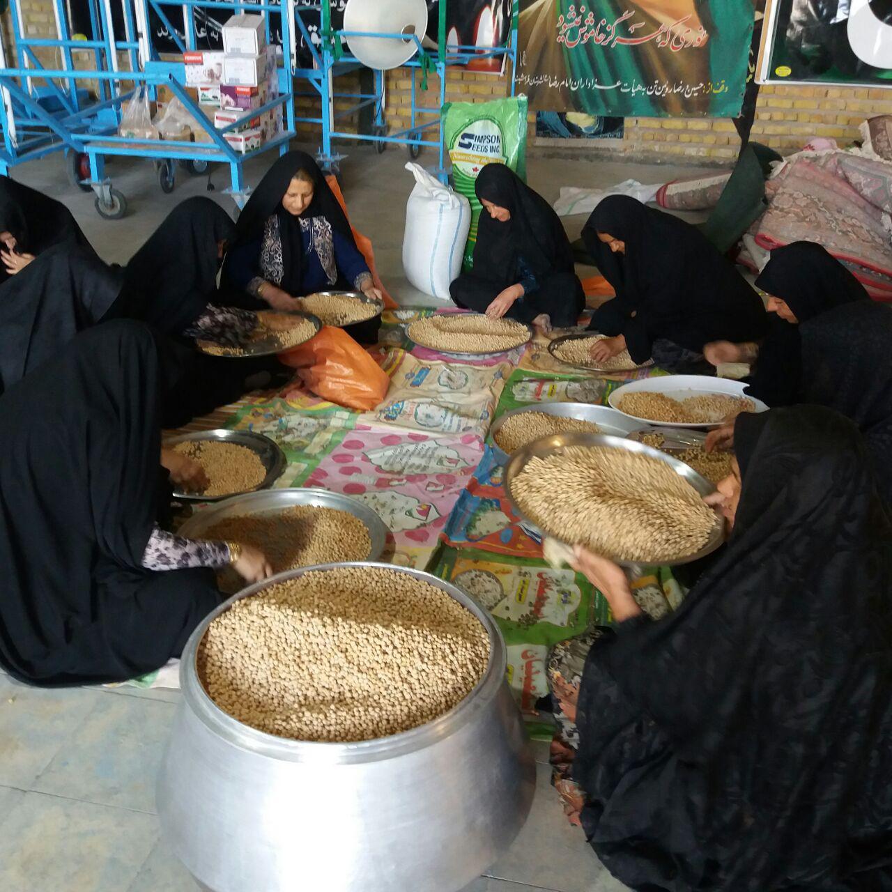 photo_2017-10-19_13-40-59 نان این روزهای زنان فراشبندی به سفرههای مسافران کربلا خواهد رسید